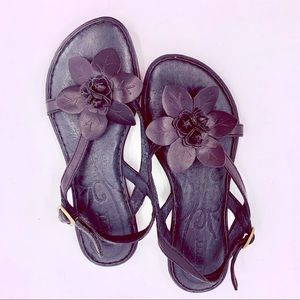 Born Black Leather Flower T Strap Sandals Size 6